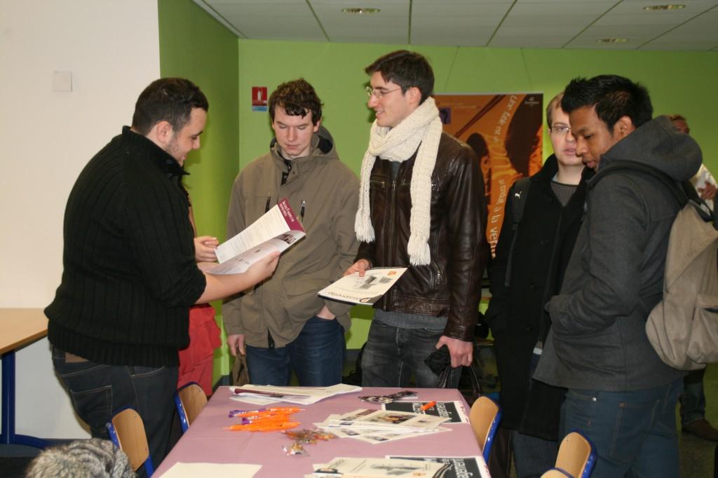 Forum du 3 déc 2011 008