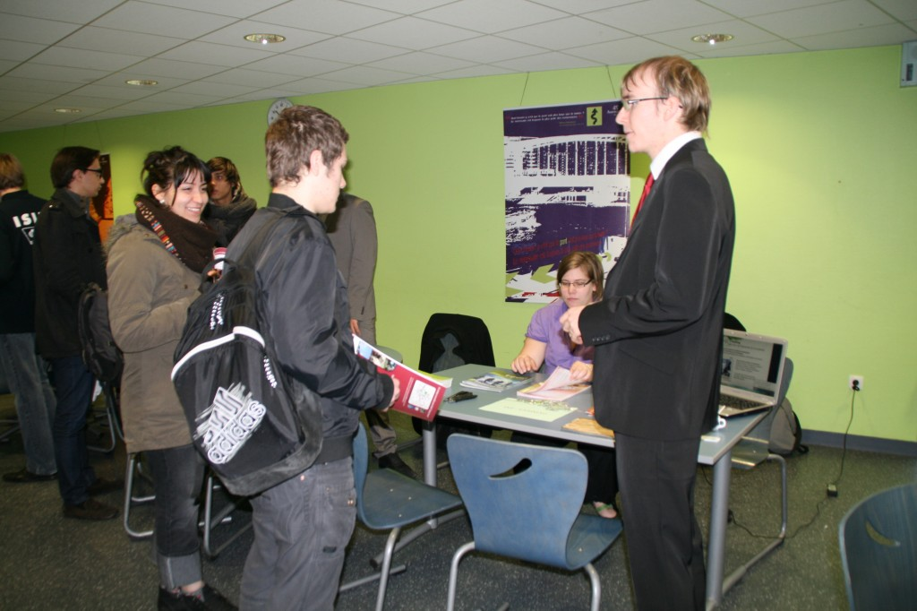 Forum du 3 déc 2011 012